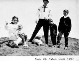 Анн и Серж Голон с детьми